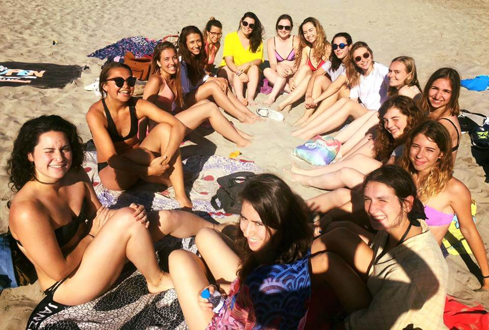 IEF Montpellier - Students in the beach