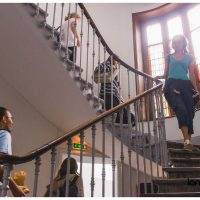 Students in the stairs, Langue Onze, Toulouse